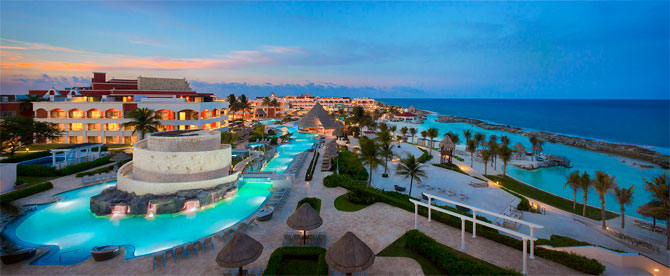 Header_HRH_Riviera_Maya_Hacienda_Pool_&_Family_Beach_Aerial_064_0314